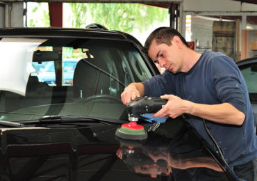 Jak utrzymać karoserię samochodu w świetnym stanie?